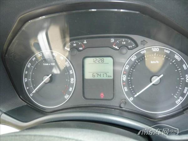 80万 大众帕萨特领驭2011款2.0l 3.50万公里 2011-5 ¥19.