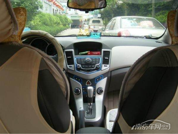 出售2012年未上牌的雪佛兰科鲁兹1.8自动挡舒适版